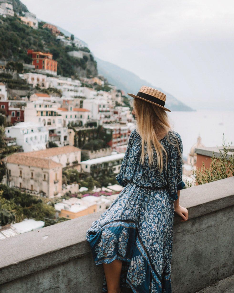 Visiter positano, ville aux milles charmes.